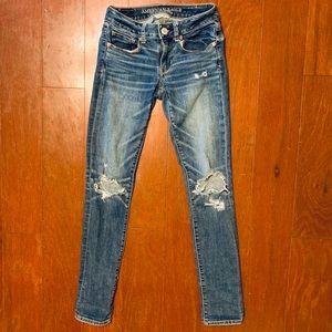 Size 00 American Eagle Distressed Skinny Jean